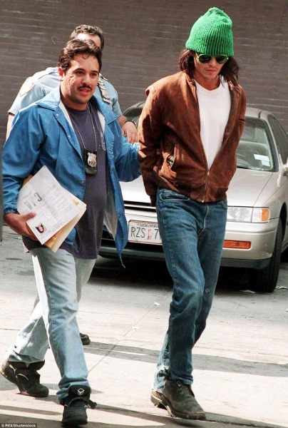 34B3C47B00000578-3613134-Depp_was_arrested_in_1994_after_he_was_accused_of_destroying_his-a-85_1464379672723